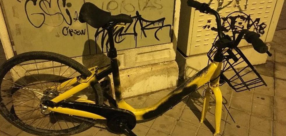 Las bicis amarillas dicen adiós a Granada por culpa del vandalismo