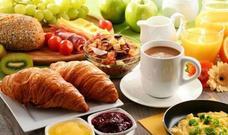 Los 5 alimentos que deberías olvidar para desayunar