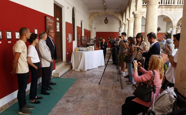 Regente entrega los premios del concurso de diseño 'Palmera Fenicia'