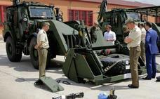 El Ejército recibe dos nuevas retroexcavadoras de última generación