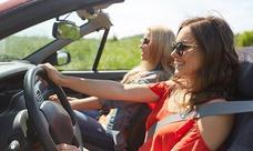 Si te pillan conduciendo así en verano te pueden multar con 200 euros