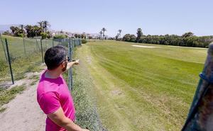 Piden ayuda urgente a los promotores de Playa Granada para salvar el campo de golf