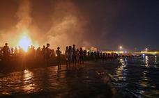 El Ayuntamiento de Motril prohíbe una fiesta de San Juan en la playa que no tenía autorización