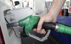 Avisan de las nuevas etiquetas para tu coche y las gasolineras. ¿cuál es la tuya y dónde la tienes que poner?