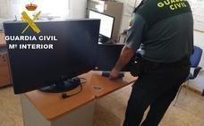 Investigan a un joven por entrar en una casa de Alamedilla y robar dos televisiones