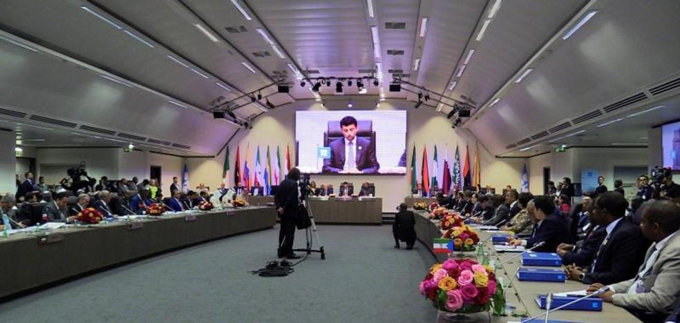La OPEP eleva la producción de petróleo, pero menos de lo esperado
