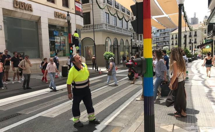 Así es el nuevo aspecto de los semáforos del centro de Granada