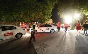 La limitación a solo cuatro taxis en el Carlos V calienta el inicio del Festival