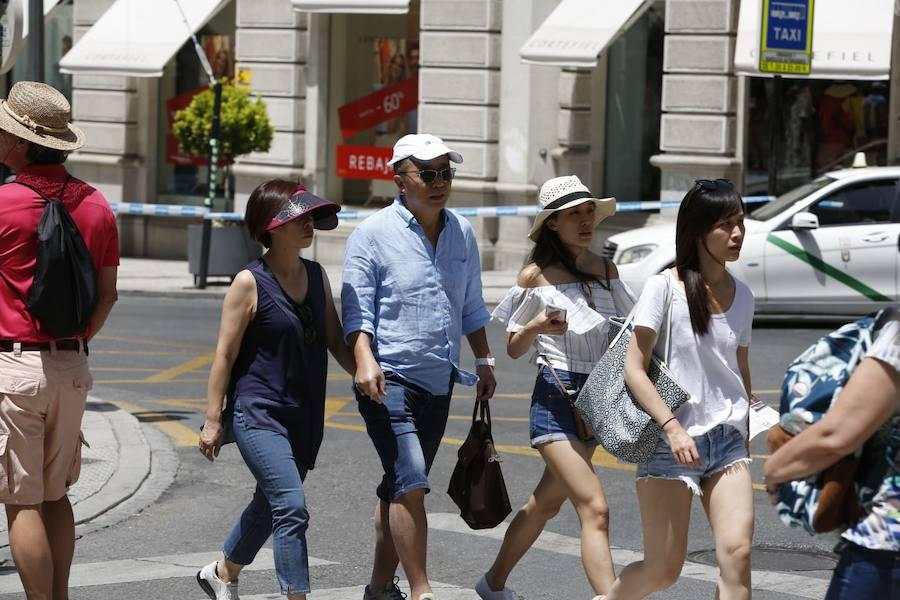 Granada, turistas a 39 grados