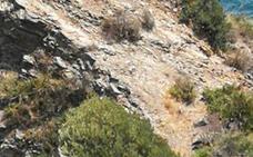 Rescatan en Almuñécar a un turista que se había quedado atrapado en un acantilado
