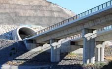 Incluyen el AVE a Almería en los proyectos no rentables tras tapiarse los túneles