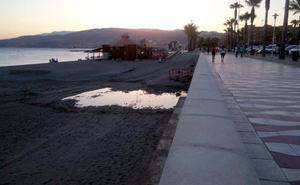 Vuelven las aguas residuales a la playa de El Zapillo