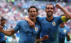 Uruguay, primera del grupo A tras golear a Rusia
