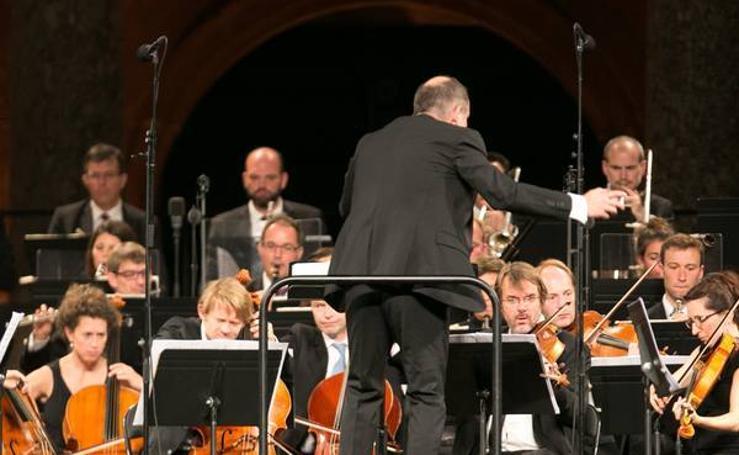 Segunda actuación de la Orquesta Les Siècles en el marco del Festival de Música y Danza