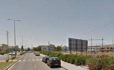 Un niña de 14 años resulta herida en un accidente entre un coche y una bici en Peligros