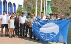 El puerto de Marina del Este ya luce su bandera azul