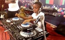 La DJ de 10 años que arrasa en su país: «Me gusta animar a la gente con la música»