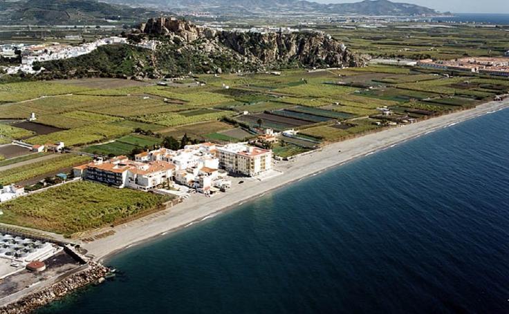 Ecologistas saca los 'colores' a la costa de Granada