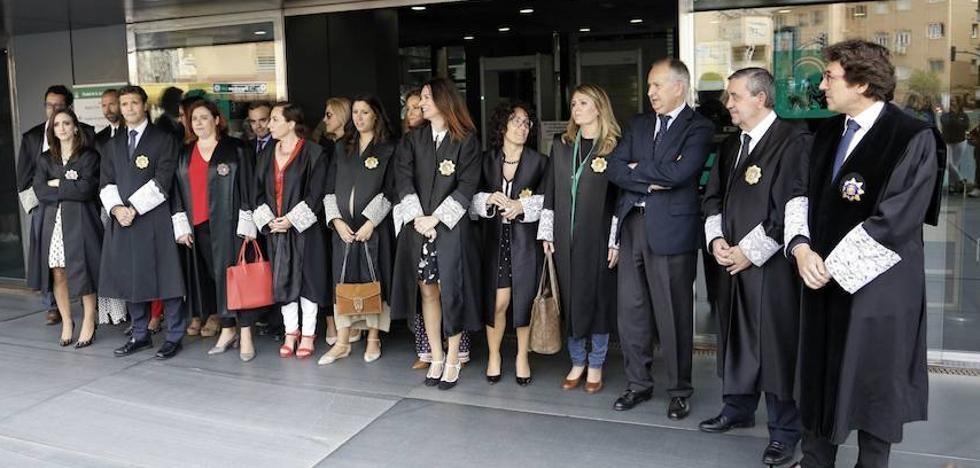 Reforzarán juzgados de guardia Almería este verano por la llegada de pateras y turistas