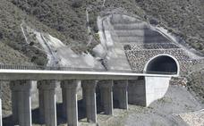 Adelantar las obras del AVE Almería-Murcia, entre las enmiendas a los Presupuestos
