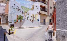 Castell de Ferro presume de su nueva 'falsa' calle