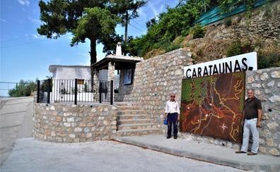 Carataunas crea un mirador, una parada de bus y un lugar de esparcimiento junto a la antigua caseta de Correos