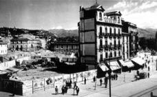 La inauguración del edificio de Correos de Puerta Real