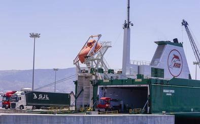 La línea de Tánger, que mueve desde tomates a ropa de Zara, impulsa al Puerto de Motril