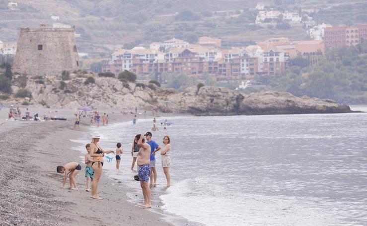 ¿Pensando en ir a la playa? Así ha amenecido este sábado la Costa de Granada