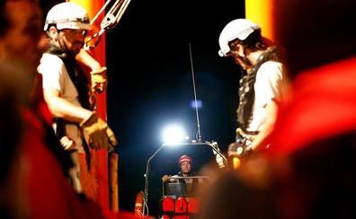 Un barco de Open Arms desembarcará en España con 60 migrantes rescatados