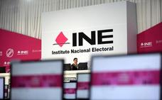 Abren los colegios electorales en una jornada histórica para México