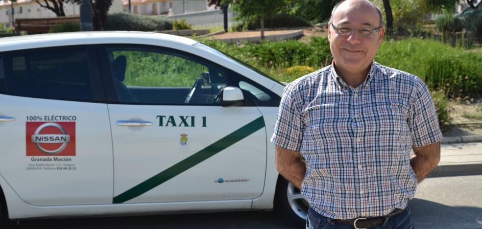 Miguel, el primer taxista 'eléctrico' de Andalucía es de Granada