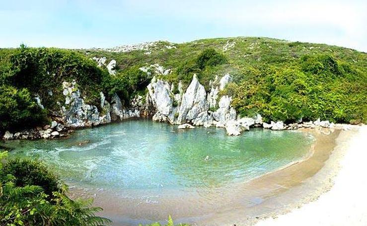 Viaja por estas 10 piscinas naturales más espectaculares de España