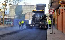 El plan de asfaltado llega a las calles del barrio de las Fuentezuelas