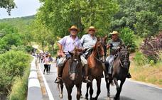 Más de un centenar de caballistas participan en Busquístar en la romería de San Pedro