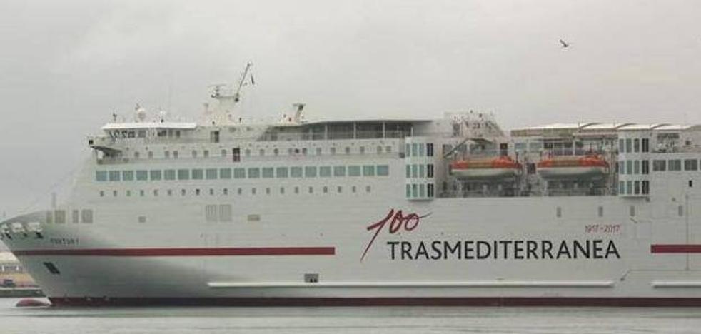 Un barco de la OPE permanece averiado en el puerto desde ayer