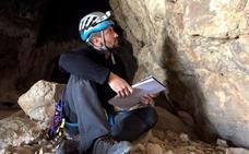 Dos montañeros descubren pinturas rupestres en la sierra de Quesada