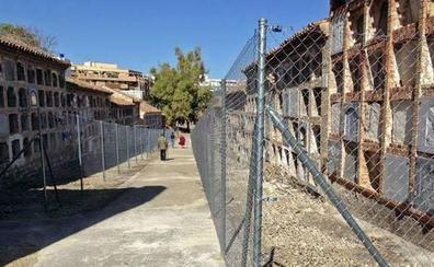 El PSOE pide explicaciones por el «inexplicable» cierre del cementerio de San Eufrasio
