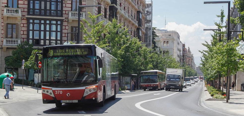 Los cambios en los autobuses de Granada no se aprobaron el viernes «por una errata»