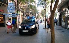 Atraca con un cuchillo un estanco de Granada y se lleva 1.400 euros, 120 cajetillas de tabaco y el móvil de la empleada
