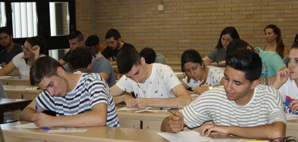 Uno de cada tres almerienses deja de estudiar antes de tener siquiera la ESO
