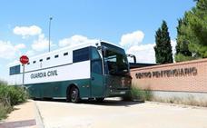 Los presos del 'procés' viajan a Cataluña acompañados de otros reclusos