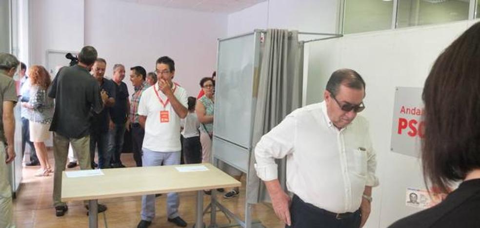 La Ejecutiva regional del PSOE cree «delirante» el caso del censo de las primarias de Almería y pide reabrirlo