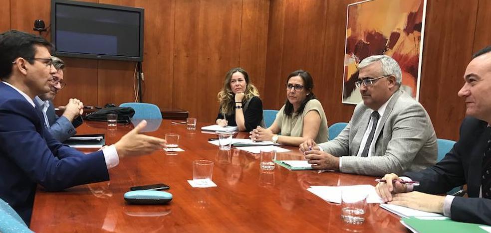 La Junta respalda la petición del Ayuntamiento de Granada de aplazar su deuda con los bancos