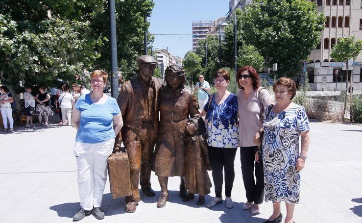 La estatua de los Emigrantes ya está en la calle