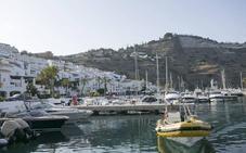 Denunciadas dos embarcaciones que estaban haciendo fiestas con parte de la tripulación bebida en Almuñécar