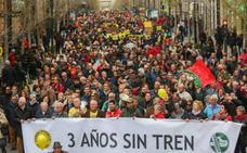 'Granada por el tren' pide plan y calendario para poner fin a tres años de aislamiento