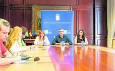 El PSOE exige al PP equipare en derechos a los trabajadores de servicios de Diputación