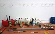 La Guardia Civil auxilia a un vecino de Huelma atrincherado en su casa con cócteles molotov