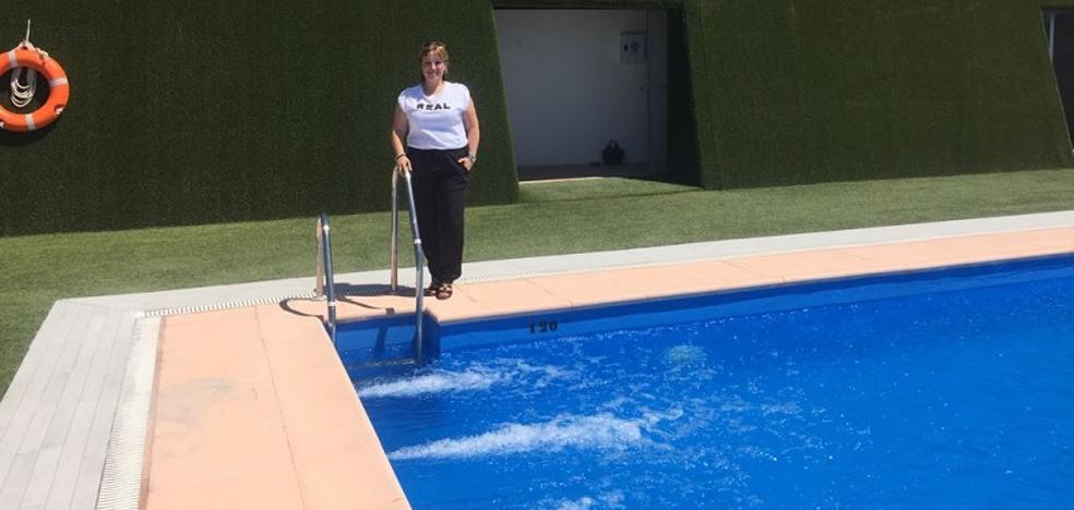 Lobres reabre su piscina 'de diseño' tras una puesta a punto para adaptarse a la normativa